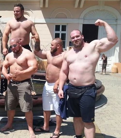 enormes-powerlifters-supects-dopage