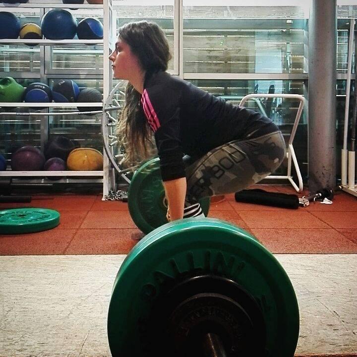 victoria-pollastri-soulevé-de-terre-deadlift-entrainement-training