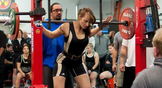 force-athletique-powerlifting-utilisation-poids-libre