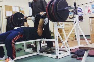 interview-Julien-AVOM-MBUME-force-athletique-developpe-couche-handisport-entrainement-powerliftingmag